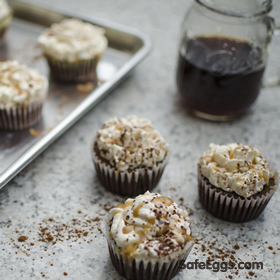 coffee flavored chocolate cupcakes recipe topped with caramel buttercream frosting. Delicious!