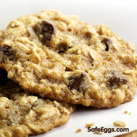 Chocolate Chip Cookie recipe - a great cookie and with @ SafeEggs you can eat the raw dough! #Nom