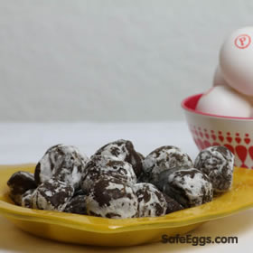 chocolate eggnog truffles recipe is so #delicious, it will become a new holiday tradition @dessertsrequird