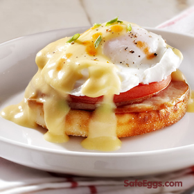 simple, classic, eggs benedict recipe! hollandaise sauce made safe with @safeeggs