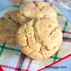 this eggnog sugar cookies recipe was a winner in our #safenog recipe contest! #yum