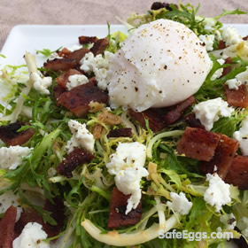 Lyonnaise Salad for two #recipe is simple and rustic! and the undercooked eggs made safe with pasteurized eggs.