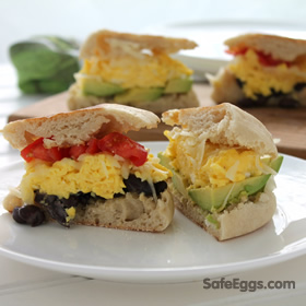 make your own breakfast sandwich bar #recipe to enjoy breakfast with your family on weekends!