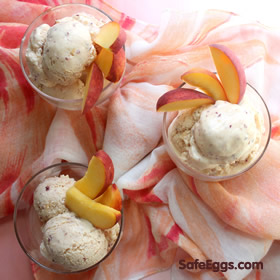 This peaches and cream frozen yogurt recipe is so refreshing on a hot summer day!  #delicious #yum