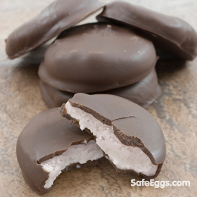 homemade peppermint patties recipe - sweet & cool - perfect #holidaytreat