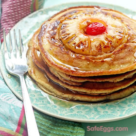 These pineapple upside down pancakes are perfect for a Sunday brunch. A delicious #recipe from @grandbabycakes