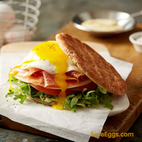 This quick egg-wich #recipe is a ideal busy morning breakfast option! @safeeggs