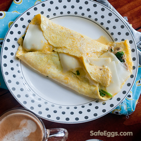 spinach and mushroom french omelet #recipe is elegant and delicious, perfect for weekend mornings! @FeedMeSeymour9